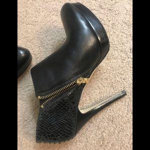 MK High heel booties